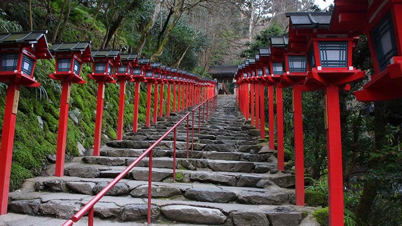 神社に繋がる道