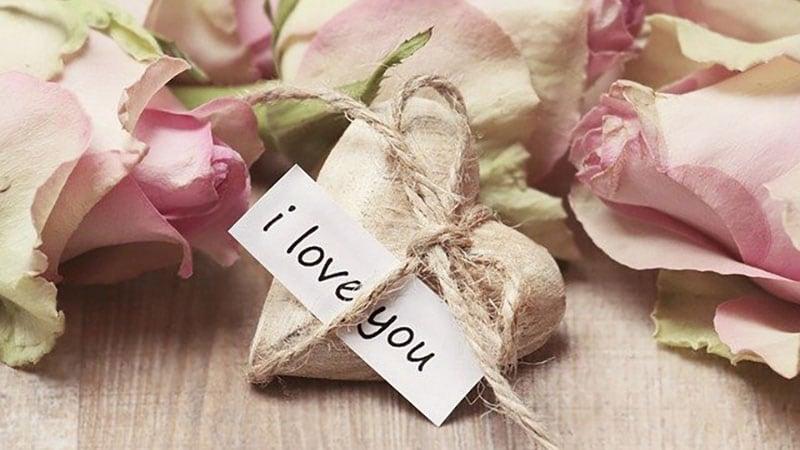 愛のメッセージとプレゼント