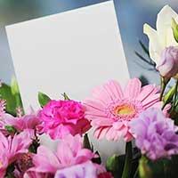 花束とメッセージカード